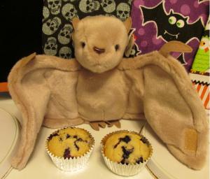 blueberry muffins w bat