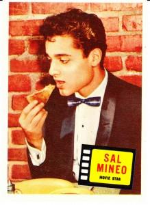 sal-mineo-eating-pizza