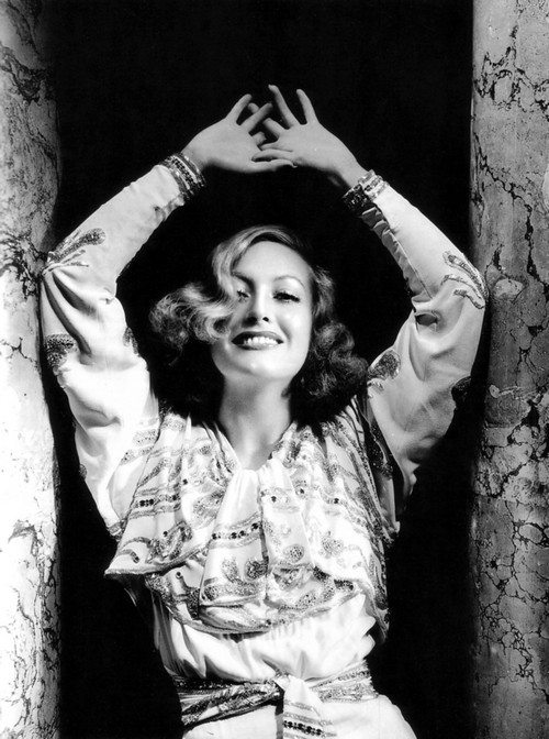 Joan Crawford's Virtual Reality Dinner Party – Crepes  Suzette