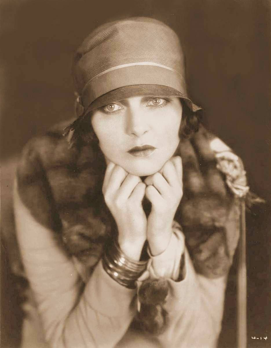 Corinne Griffith's Beans Baked in Red Wine