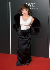 Joan-Collins-at-The-BFI-LUMINOUS-Gala-dinner
