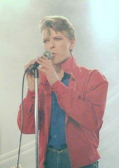 When Bloggers Collaborate – David Bowie's Shabu-Shabu