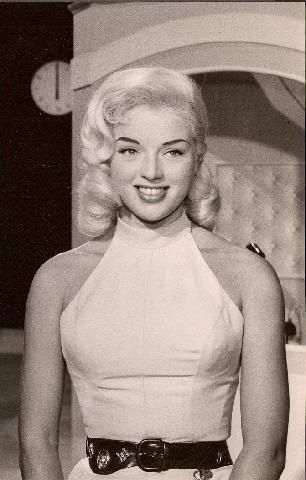 Diana Dors' Cheese and Sweetcorn Pasta Salad