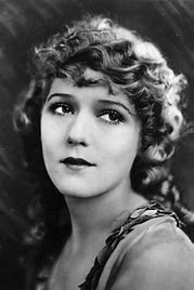 QUARANTINI TIME #7! The Mary Pickford